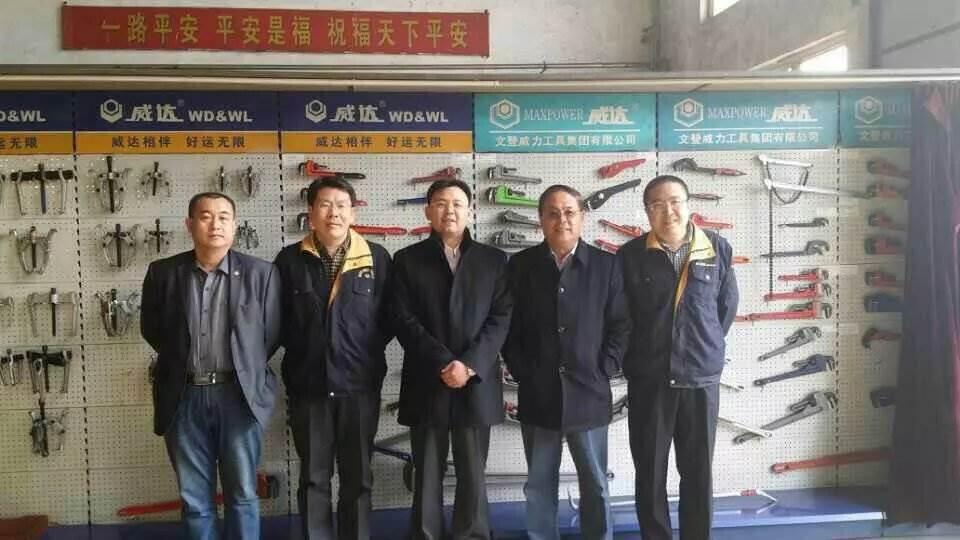 济南政和科技公司董事长参观ballbet手机集团(图2)