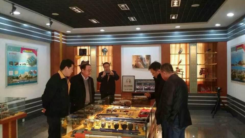 济南政和科技公司董事长参观ballbet手机集团