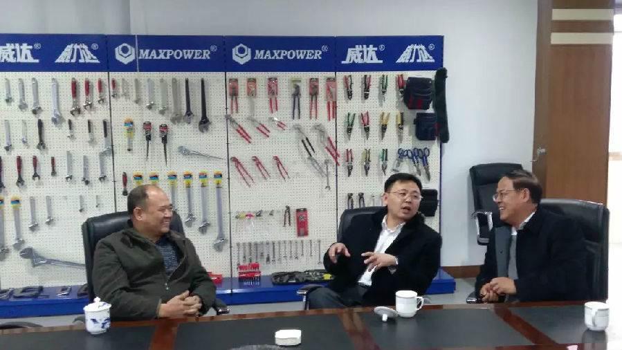 济南政和科技公司董事长参观ballbet手机集团(图3)
